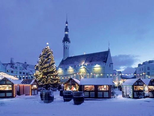 На фотографии изображен зимний Таллин