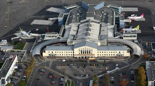 Аэропорт с высоты птичьего полета на фото