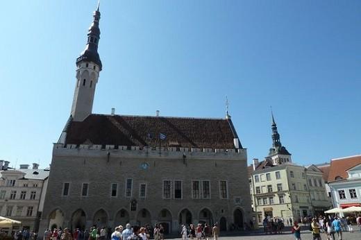 Башня ратуши на фото