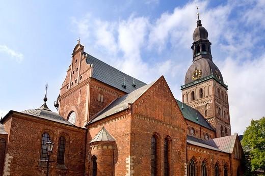 На фото изображен Домский собор