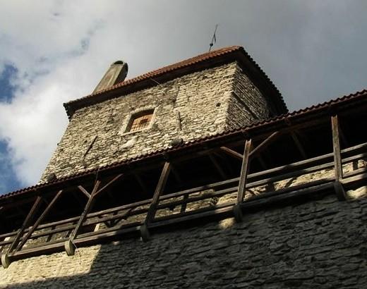 На снимке изображена Башня Хеллмана