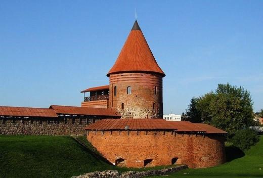 На фото изображен Каунасский замок