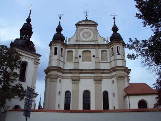На снимке костел Святого Архангела Михаила
