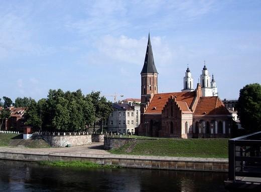 Костел Витовта Великого изображен на снимке