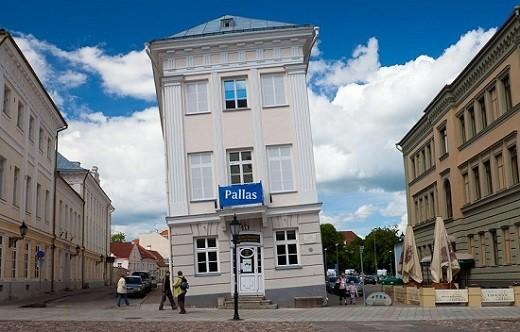 Жители приняли решение не разрушать данный дом, в результате он стал достопримечательностью Тарту