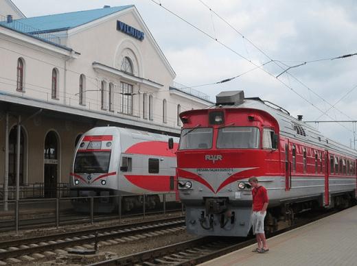 На фотографии поезд, прибывший из Москвы в Вильнюс