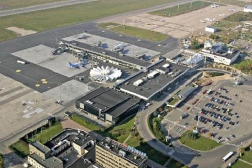 Рижский аэропорт - вид сверху на снимке