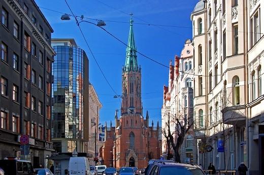 Старая Гертрудинская церковь на снимке