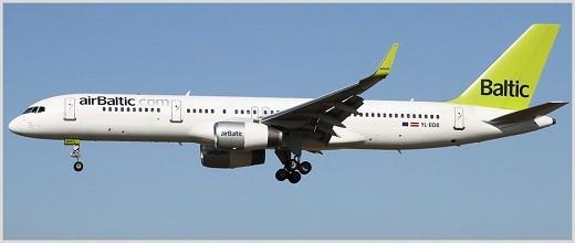 На фото представлен самолет авиакомпании AirBaltic, на котором совершаются полеты между Москвой и Ригой