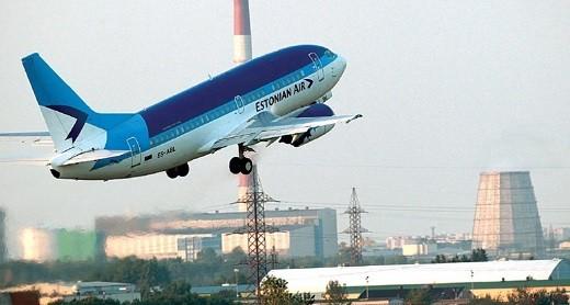 На фото самолет Еstonian Аir OV 624, рейс С-Петербург - Таллин