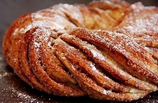 Традиционные эстонские булочки имеют форму завитушки