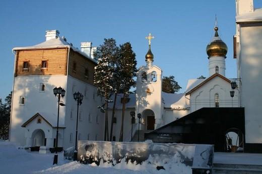 На фото московское подворье Пюхтицкого монастыря