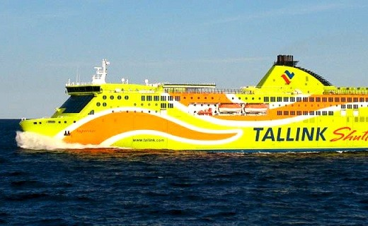 На фото изображен паром, следующий по маршруту Хельсинки - Таллин