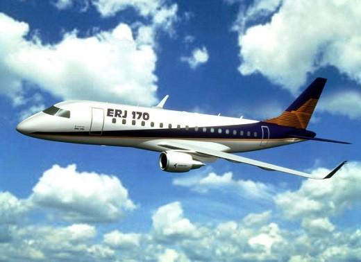 На фото самолет Embraer 170