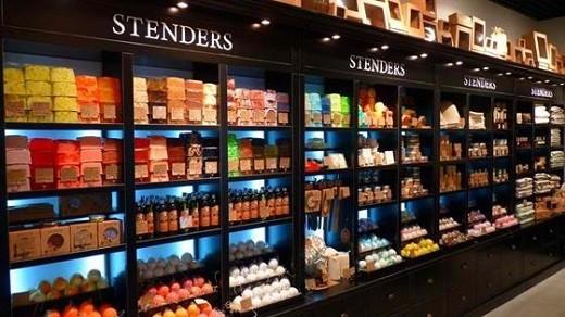 Витрина магазина Стендерс в Краснодаре на фото