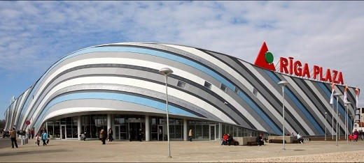 На фотографии торговый центр Riga Plaza