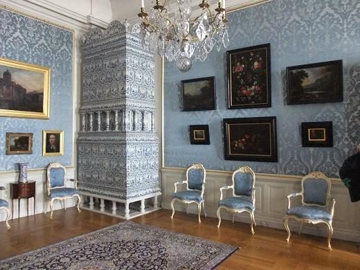 Интерьер одно из залов Рундальского дворца на фото