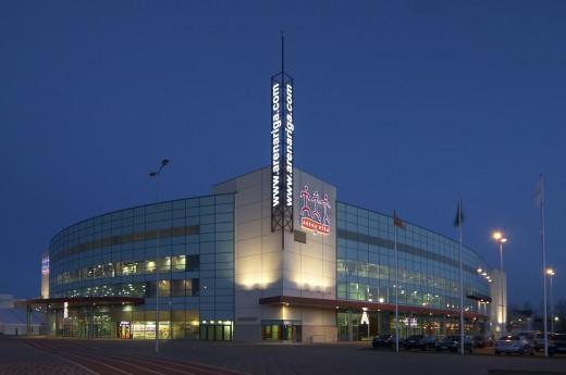 На фото показан комплекс Арена в Риге