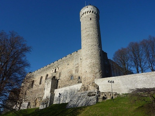 На фото башня Длинный Герман