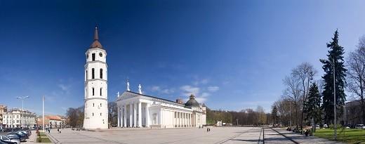 Кафедральная площадь Вильнюса на снимке