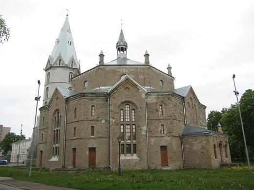 Александровская лютеранская церковь Нарва на снимке