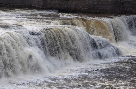 Нарвский водопад на фотографии