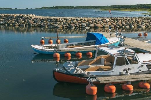 Балтийский остров Абрука на снимке