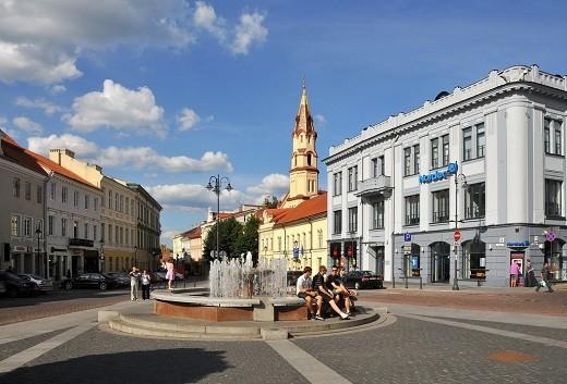 На снимке ратушная площадь в Вильнюсе