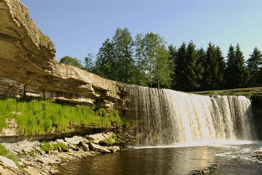 Водопад Ягала на фото