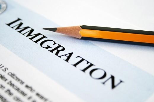 Кроме паспорта и анкеты необходим еще ряд документов